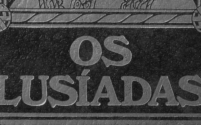 """Luís de Camões   """"Os Lusíadas"""" e a exaltação do povo português"""