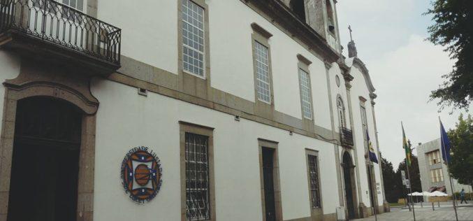 Prémios a Estudantes | Câmara de Famalicão distingue melhores alunos da Universidade Lusíada com 1000,00 euros a cada um