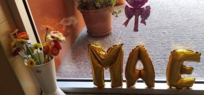 Dia da Mãe | Associação de Pais do Centro Escolar Luís de Camões organizou hoje receção às mães
