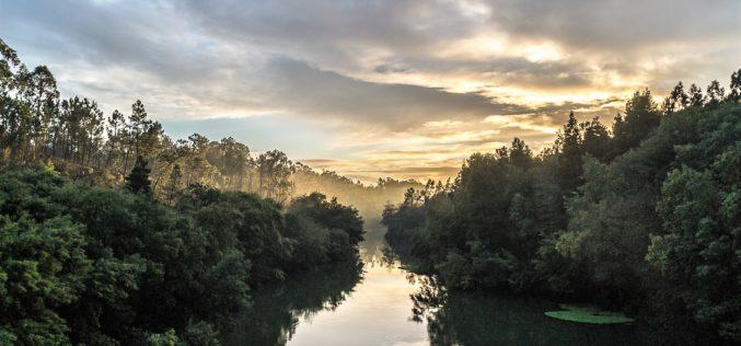 Fotografia | Luz ao fundo do rio, de Manuel José Ribeiro vence Concurso 'Património Ambiental de Barcelos'
