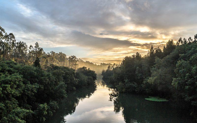Fotografia   Luz ao fundo do rio, de Manuel José Ribeiro vence Concurso 'Património Ambiental de Barcelos'