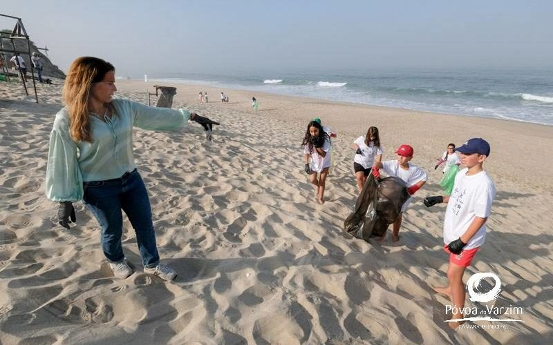 Ambiente | Centenas de voluntários do World Cleanup Day limparam a Póvoa de Varzim