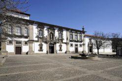 Género | Comissão para a Cidadania e Igualdade de Género atribui Prémio 'Viver em Igualdade' à CM de Guimarães
