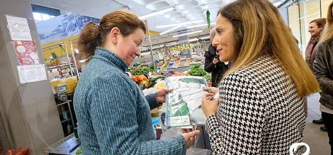 Resíduos | No Mercado Municipal da Póvoa de Varzim pratica-se 'Reciclar para ganhar'
