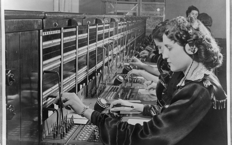 Design | Casa do Design mostra 'Whats(been h)App(ening)' em 100 anos de telecomunicações e correios portugueses