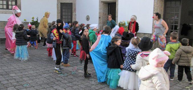 Famílias | Picasso e Miró inspiram Máscaras de Carnaval 2019 na Gerações