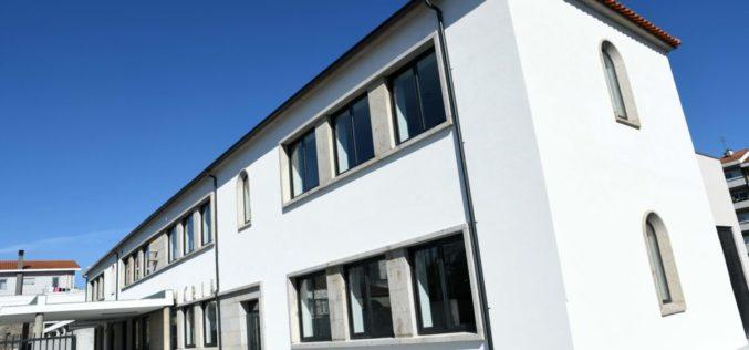 Ensino | Alunos inauguram escolas Conde de S. Cosme e de Riba d'Ave no 3º período letivo