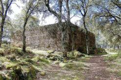 Fortificações | Castelo de Faria (Barcelos)