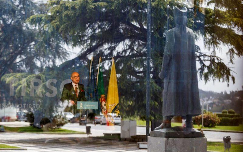 25 de Abril   Política de proximidade para afastar populismo marca sessão solene em Santo Tirso