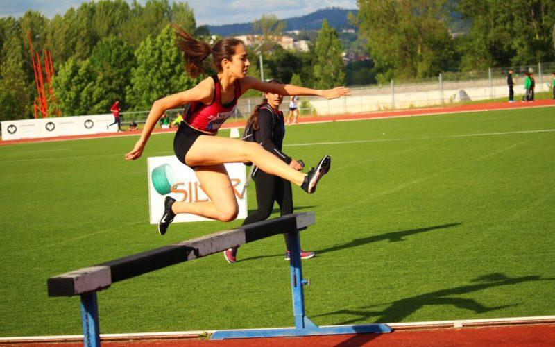 Atletismo | Beatriz Rios e Amigos da Montanha sagram-se grandes campeões regionais de Atletismo em Guimarães