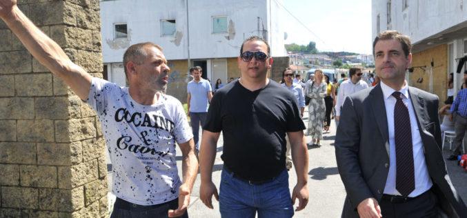 Picoto | Ricardo Rio visita Bairro Social
