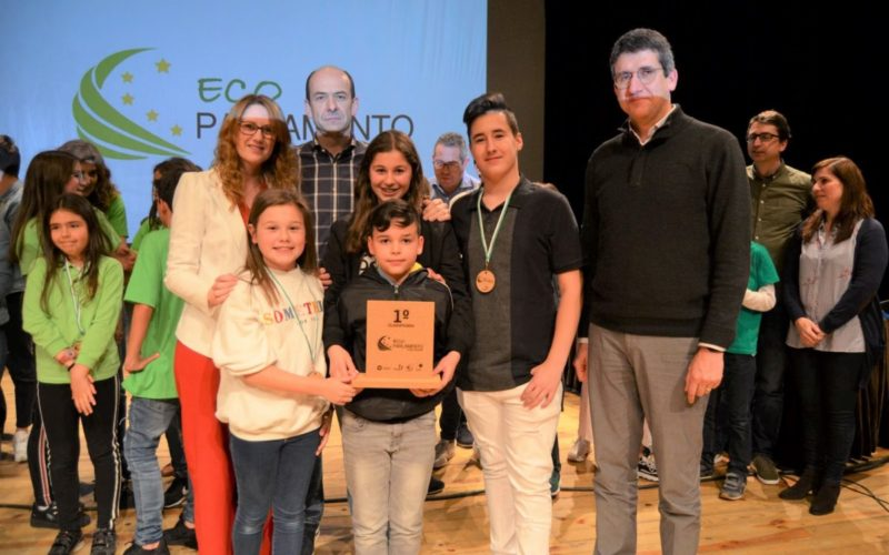 Ensino | Agrupamento de Escolas Fernando Távora vence Eco Parlamento de Guimarães