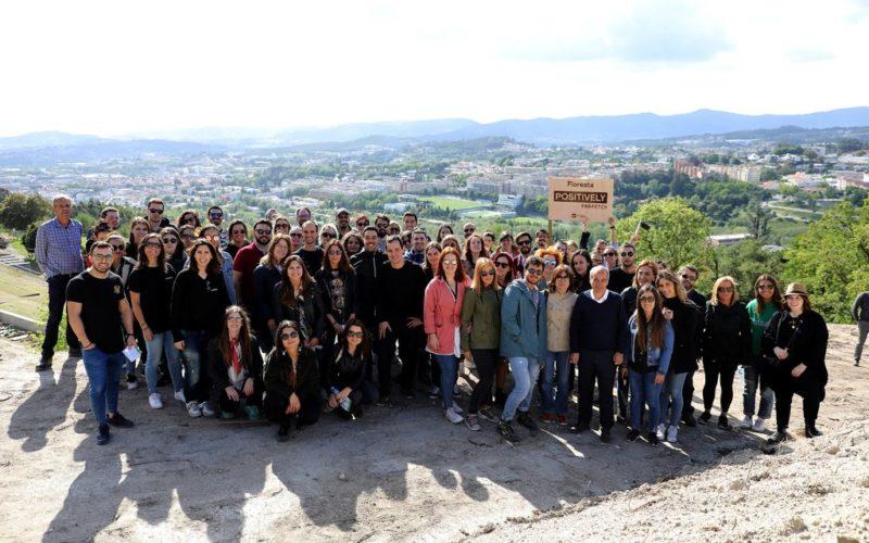 Ambiente | Farfetch planta árvores autóctones em Guimarães