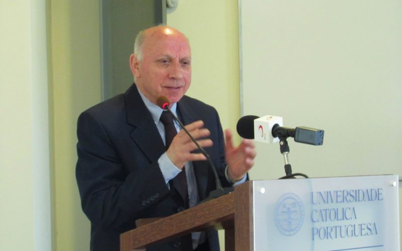 Gratidão | Padre Costa Santos, Professor, homenageado pela 'Católica' de Braga