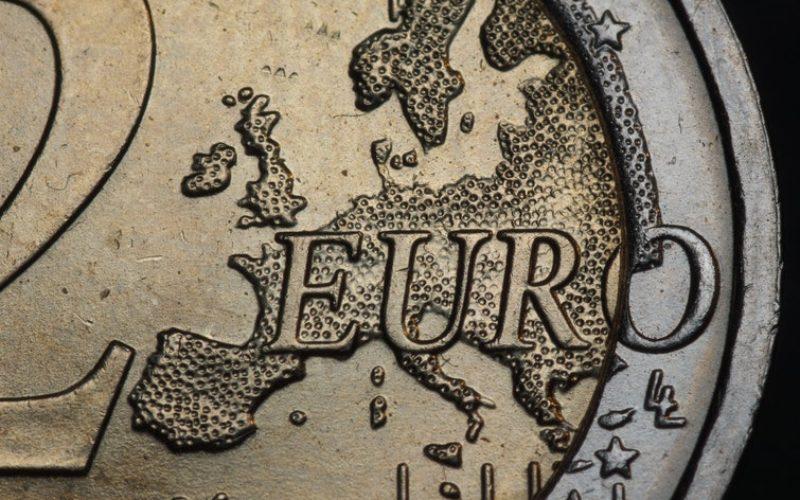 Finanças   Portugal continua a contrair dívida em valores mínimos históricos