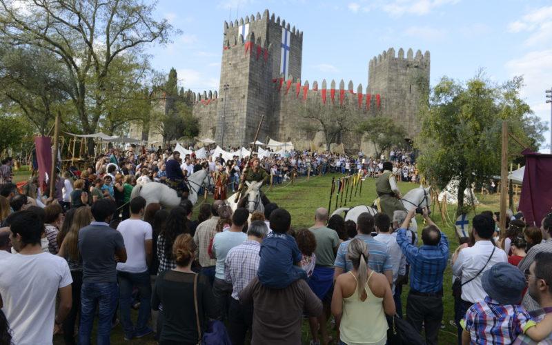 Recriação | 'Feira Afonsina' atrai centenas de milhares de visitantes a Guimarães