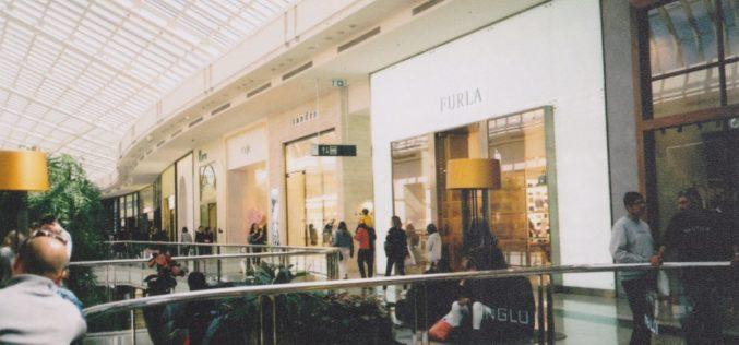 Consumo | Confiança dos consumidores sobe pelo quinto mês consecutivo em agosto