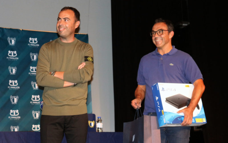 Solidariedade | FC Famalicão Solidário apoia Associação Teatro Construção