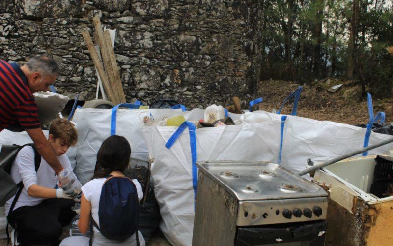 Ambiente   Amigos da Montanha limpam Monte da Franqueira