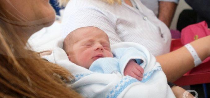 Natalidade   Miguel foi o milésimo bebé a nascer no Centro Hospitalar Póvoa de Varzim/Vila do Conde em 2019