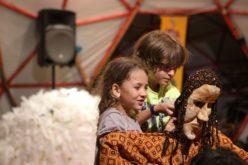 Formação | Grasiella Müller realiza oficina de Teatro de Formas Animadas em Braga