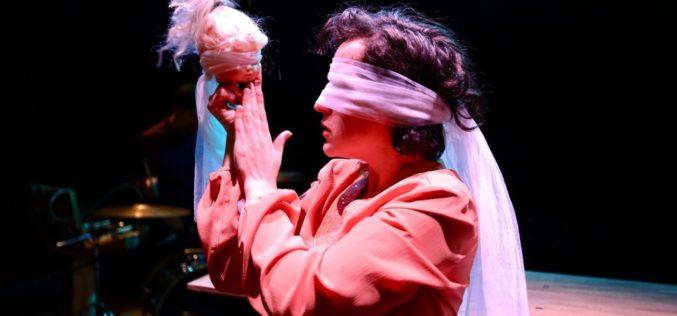 Teatro | Fértil repõe em cena 'O meu País é um Insuflável'