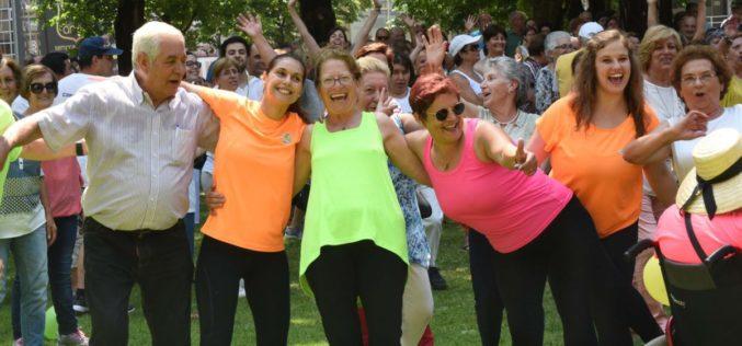 Séniores | Famalicão cria a linha telefónica 'Mais e Melhores Anos' para apoiar os séniores do concelho