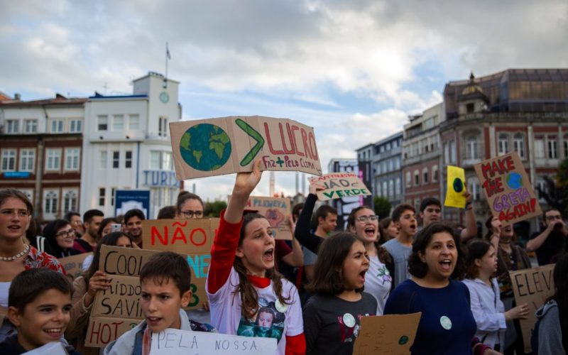 Clima | Estudantes voltam a sair à rua em Braga