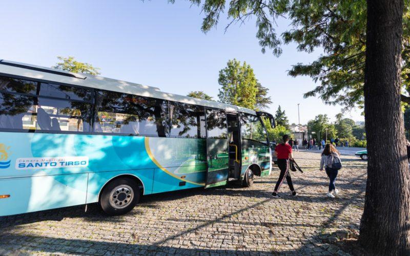Mobilidade | Minibuses transportam alunos de Santo Tirso em final de ano letivo
