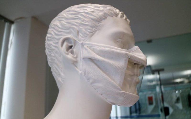 Saúde | Máscara para utilizadores com dificuldade de audição produzida pela Elastoni de Famalicão