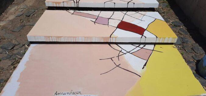 StreetArt | 'Amanhecer' de Mónica Mindelis em Guimarães inspirada pelas coleções do CIAGJ e pelo têxtil da região