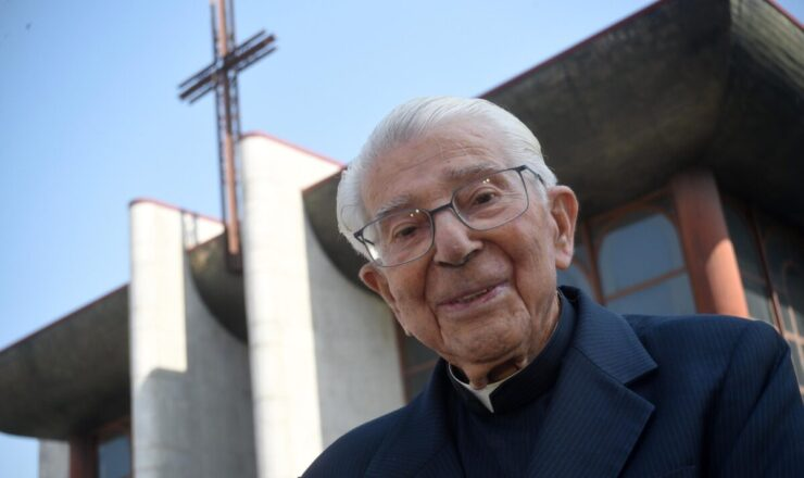 Monsenhor Joaquim Fernandes celebra 100 anos de vida e de entrega by VNF