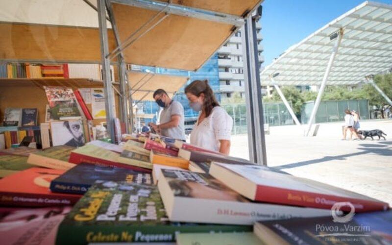 Leitura | Feira do Livro da Póvoa de Varzim 'está viva e escreve Sol'