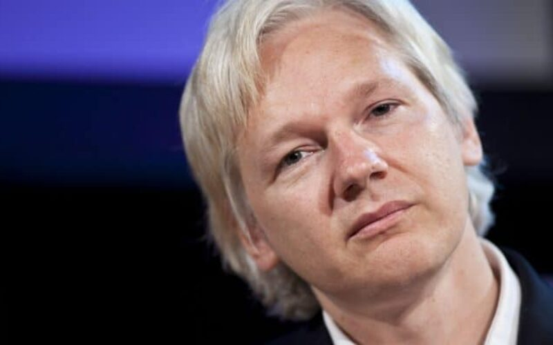Liberdade | Amnistia Internacional exige que Estados Unidos retirem acusações contra Julian Assange