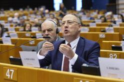 Europa | Parlamento Europeu aprova novos recursos próprios e pressiona Estados-Membros para acelerar Fundo de Recuperação da União Europeia