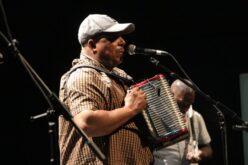 Música | Ritmos quentes do mestre do funaná Julinho da Concertina deram-se a ouvir no CIAGJ de Guimarães