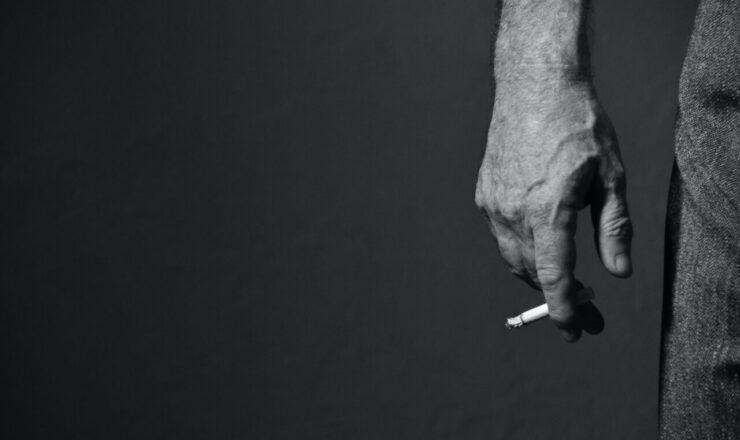 michelle ding-smoking-7en5zROFJdI-unsplash