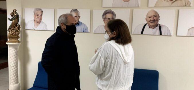 Seniores | Presidente da Câmara de Guimarães oferece 'toda a ajuda necessária' em visita à Fundação Casa do Paço