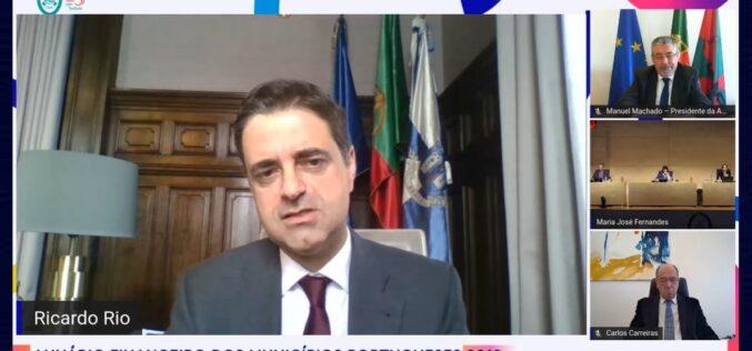 Finanças | Municípios portugueses com superavit de 902 milhões em 2019