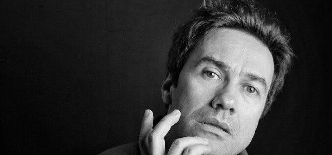 Música | David Fonseca 'sings & plays' Radio Gemini em Famalicão, Matosinhos e Ovar